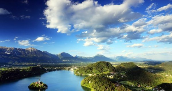 bled_lake_view_cloudy_sky_1592210106_672